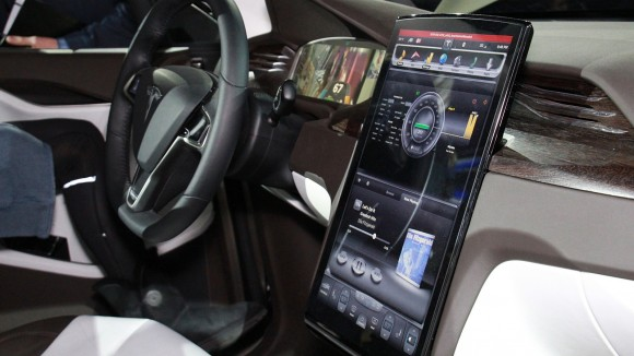 Tesla Model X Teched Out Car Features a Touchscreen 17 Inch Console ...
