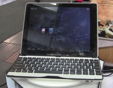 CeBit 2012: YiTao 9.7 Inch Android 4.0 Tablet Comes With Keyboard Case