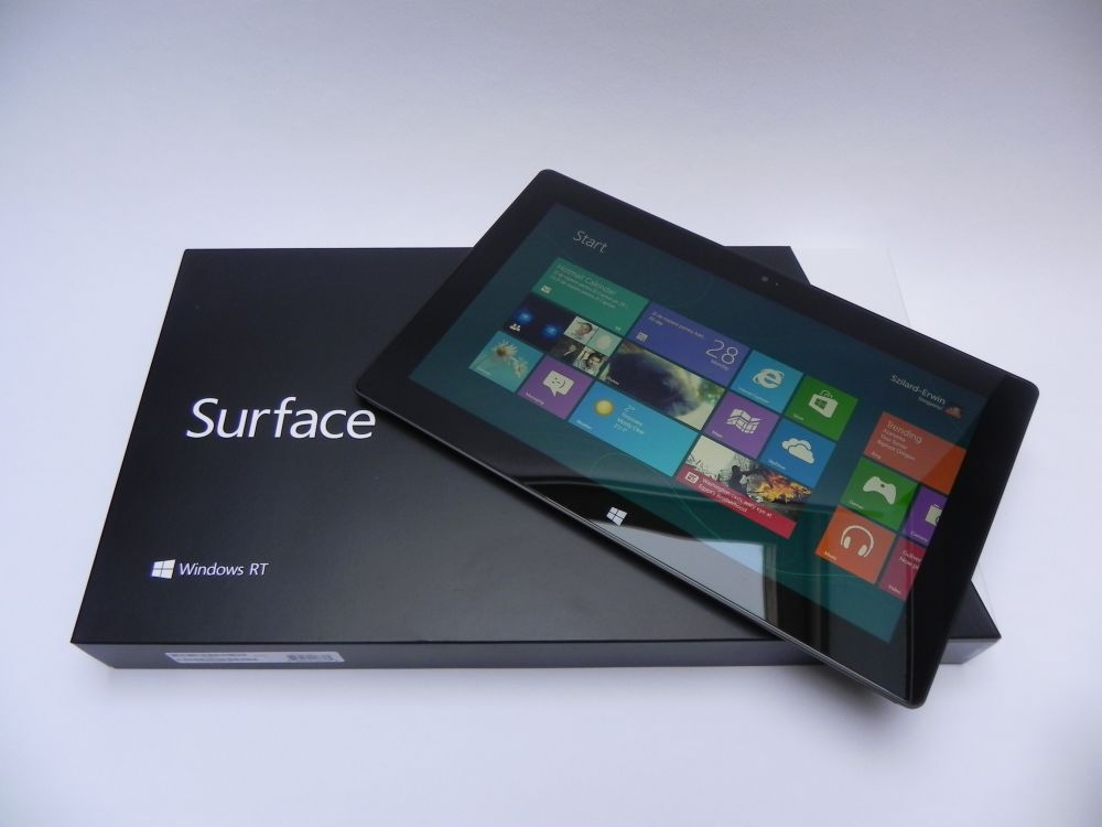 Microsoft Surface RT Unboxing: Minimalistic Packaging, Maximal Surface