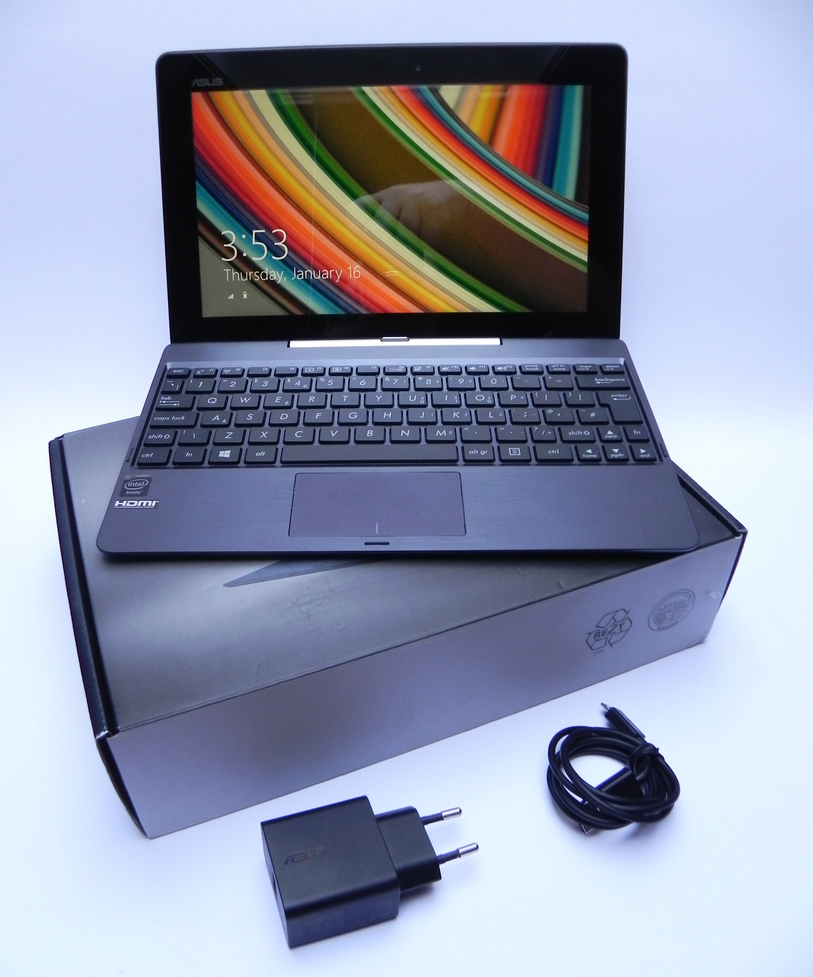 ASUS Transformer Book T100TA Unboxing: Our First Windows 8.1 Hybrid Gets Unboxed (Video ...