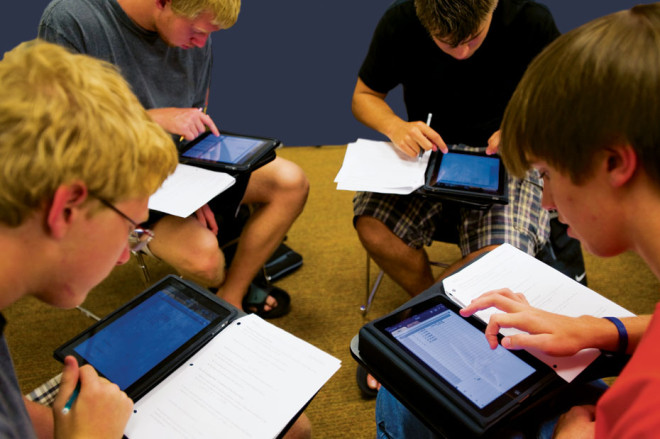 iPad using students