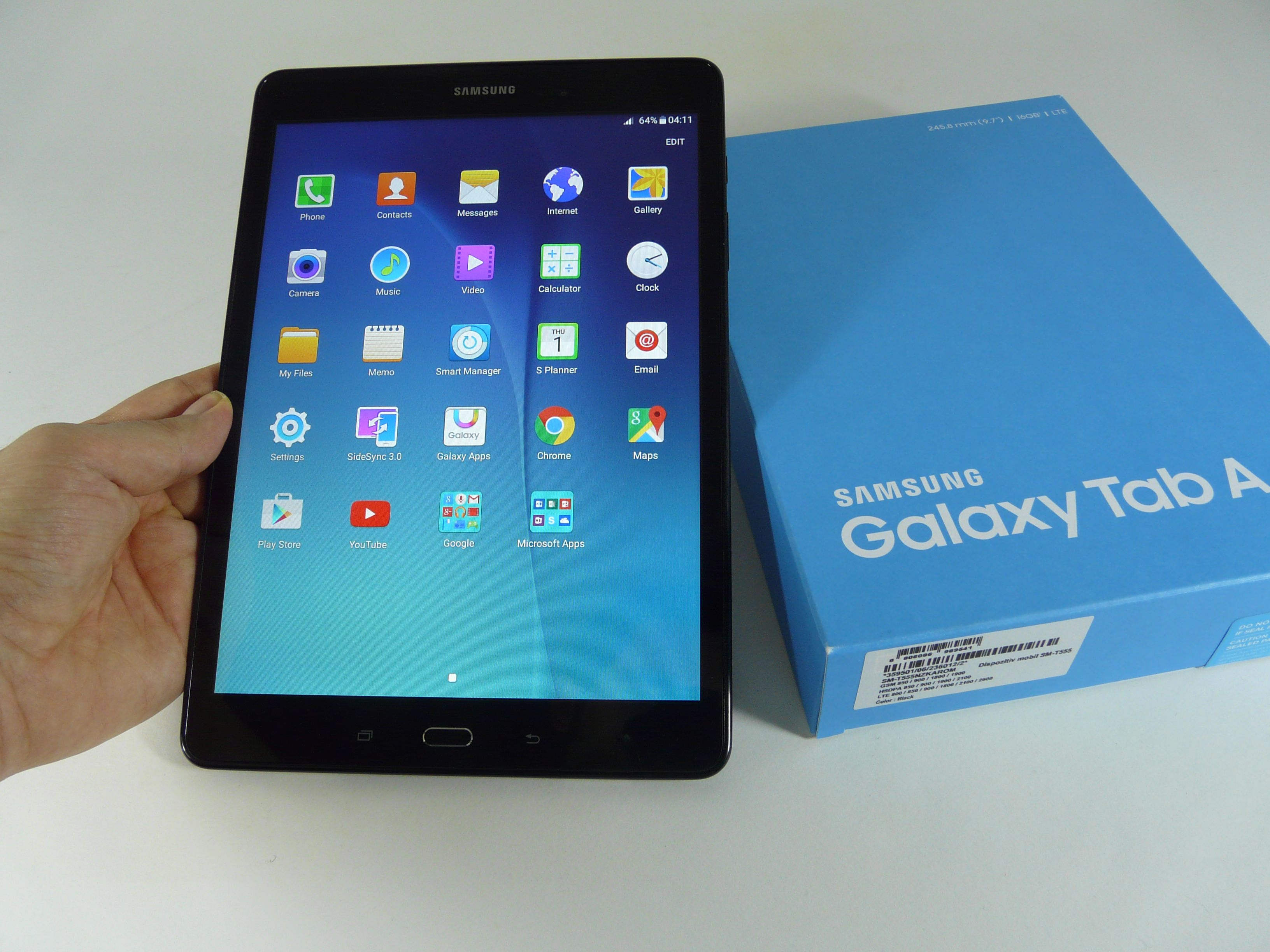samsung galaxy tab a 9 7 unboxing 9 7 inch midranger taken out of the blue box video tablet. Black Bedroom Furniture Sets. Home Design Ideas