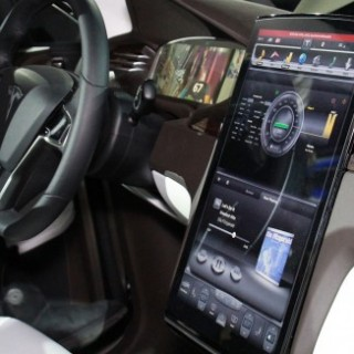 Tesla Model X Teched Out Car Features A Touchscreen 17