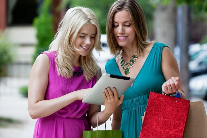 Shopping-Women-using-Digital-Tablet-outdoors.