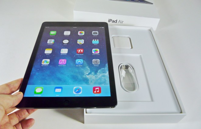 Apple-iPad-Air-Unboxing-Tablet-News-com_6