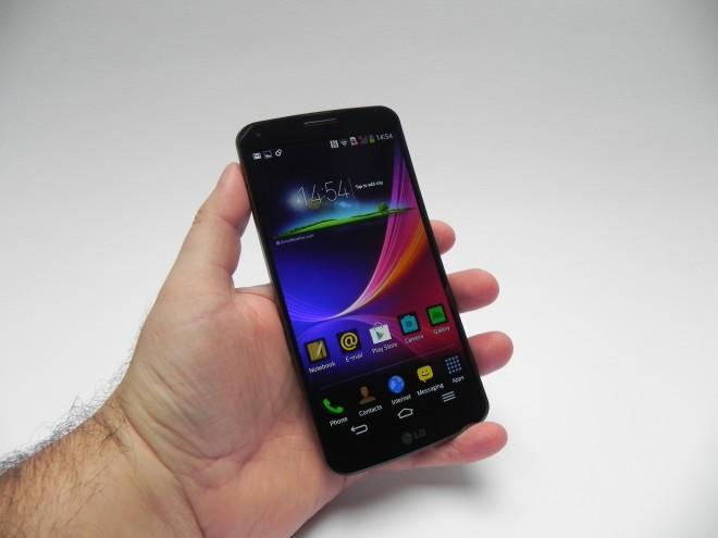 LG-G-Flex-review-tablet-news-com_04