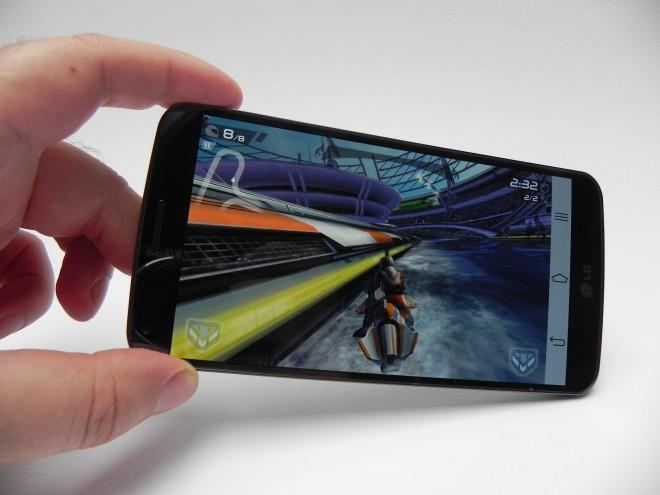 LG-G-Flex-review-tablet-news-com_07
