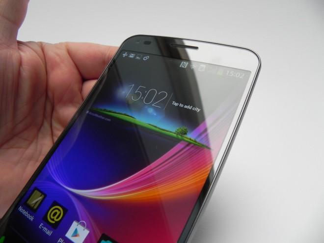LG-G-Flex-review-tablet-news-com_43