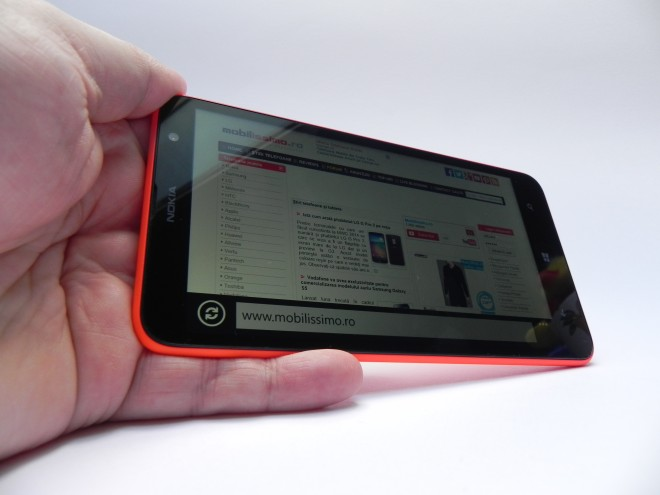 Nokia-Lumia-1320-review-tablet-news-com_22