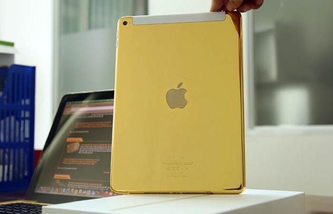 gold ipad 1