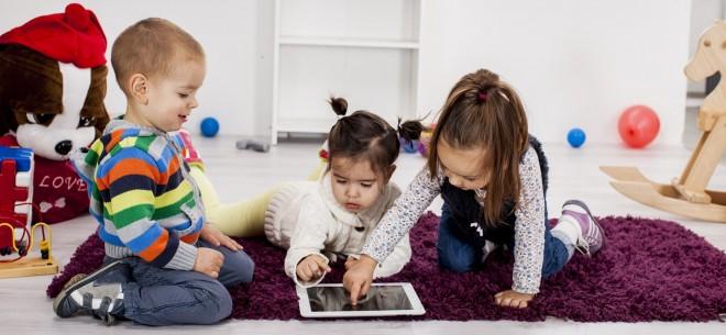children-using-tablet-e1400693101378