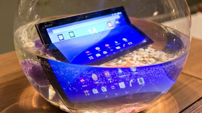 Sony_Xperia_Z4_Tablet_in_water