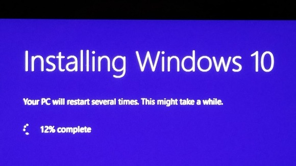 downloading-windows-10-100598941-large