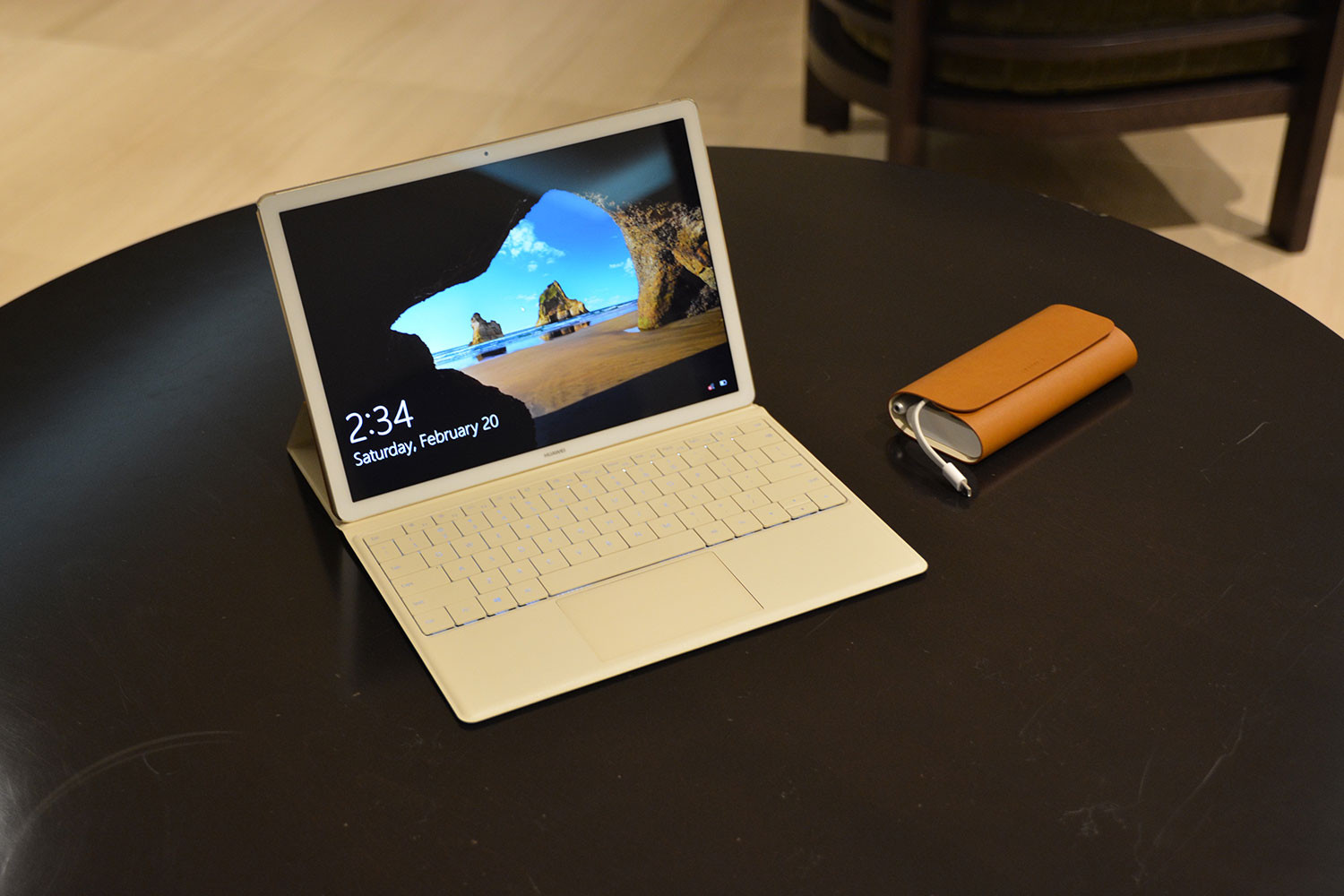 huawei matebook convertible now up for sale at the microsoft store tablet news. Black Bedroom Furniture Sets. Home Design Ideas